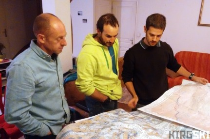 Arnaud, Nico and myself checking the maps I'd printed of the region.