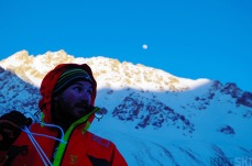 er a first day of ski and three summits, the moon rises quickly and the temperature drops accordingly.