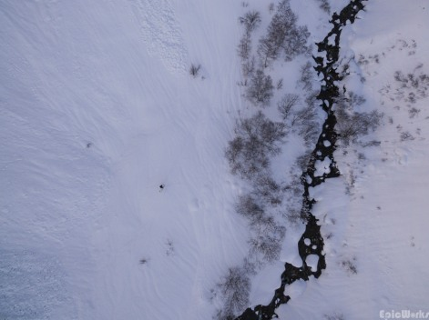 The lone skier, next to the Torrent du Diable