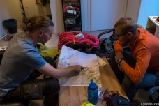 Fannar gives council to Greg about the best acces to the glacier at Skeithararjokull