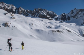 Looking back at the pass, the coulouir we have just descended