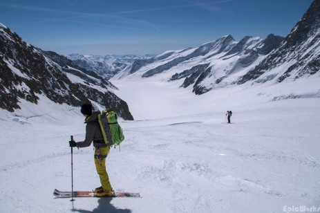 A beautiful descent, the Fiescher glacier stretches south